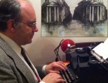 """""""Scrivo romanzi per uscire dal mondo disattento e irriflessivo…"""" intervista"""