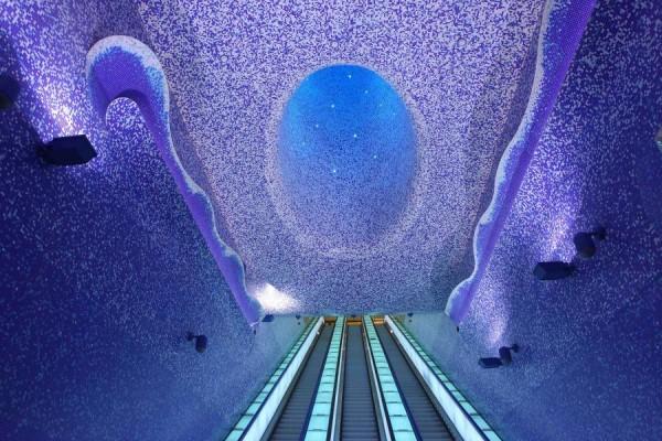 impressive-metro-subway-underground-stations-30-600x400